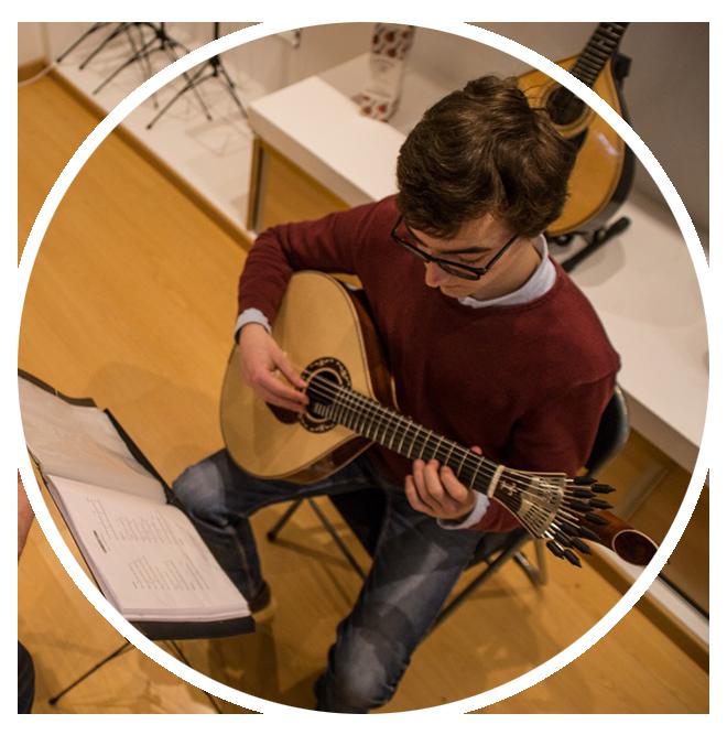 escola-de-fado-coimbra-aulas-de-guitarra-portuguesa